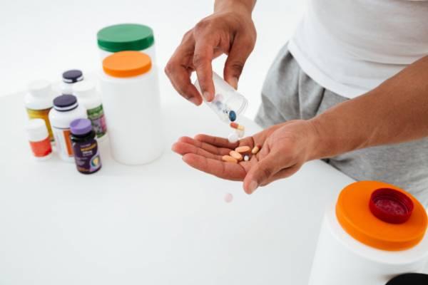 عوارض داروها