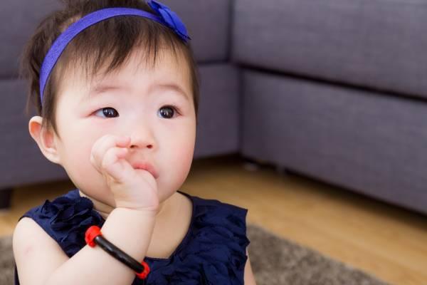 فواید پستانک برای نوزاد