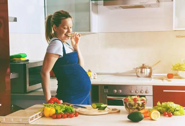 تغذیه مناسب برای زیبایی جنین