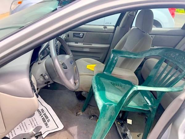 صندلی پلاستیکی راننده