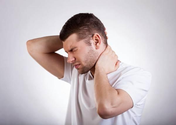 علائم درد پشت سر