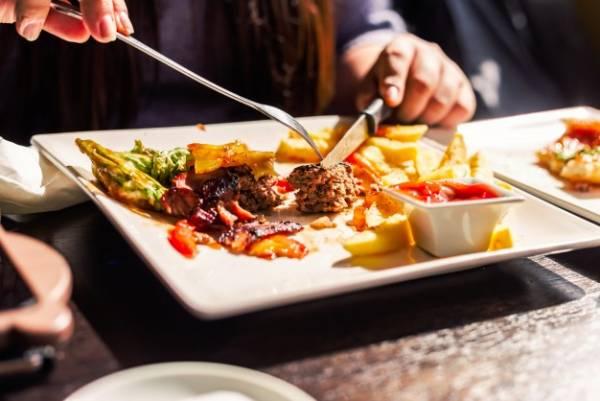 اجتناب از خوردن گوشت