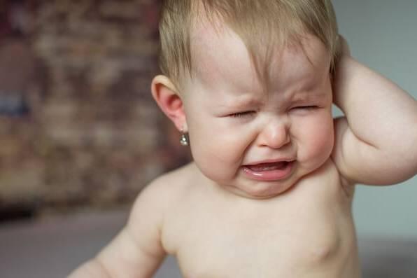 ضرر سوراخ کردن گوش کودک