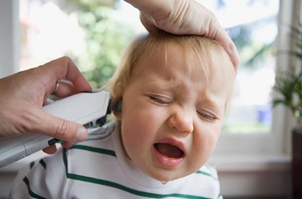 توصیه های سوراخ کردن گوش کودک