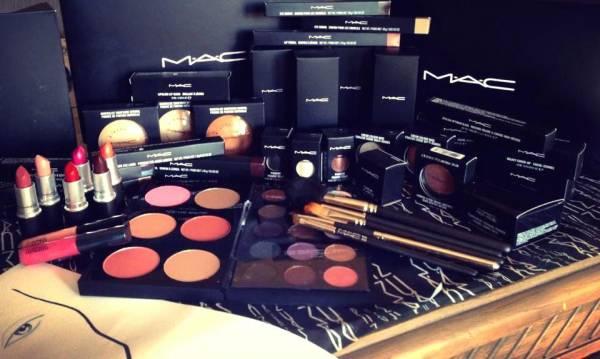 MAC مک