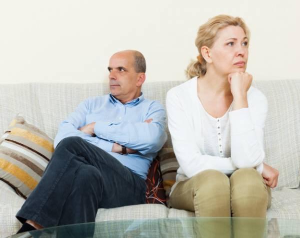 همسر وابسته به خانواده