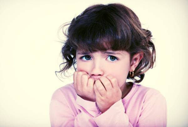 ناخن جویدن کودک