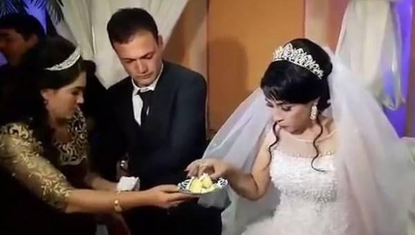 سیلی زدن داماد به عروس