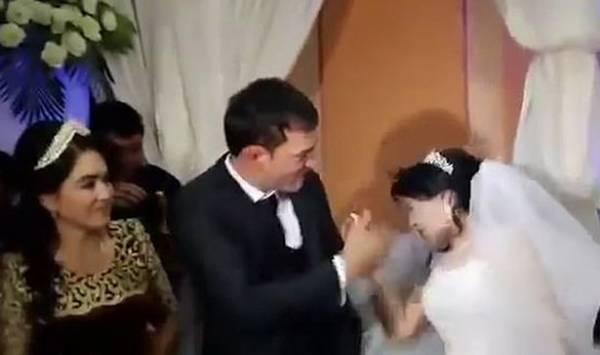 کتک خوردن عروس