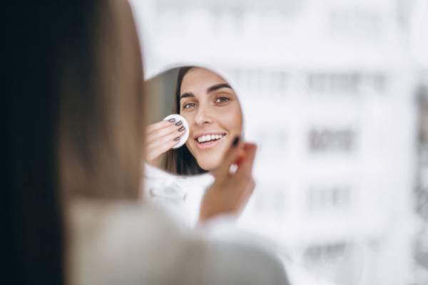 تمیز کردن پوست صورت