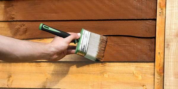 رنگ کردن سطوح چوبی