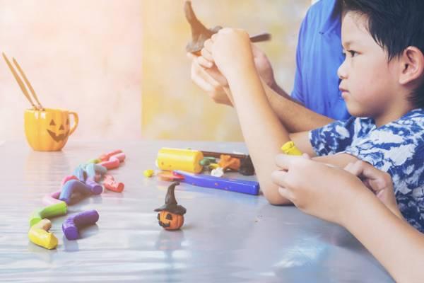 خمیر بازی برای کودکان