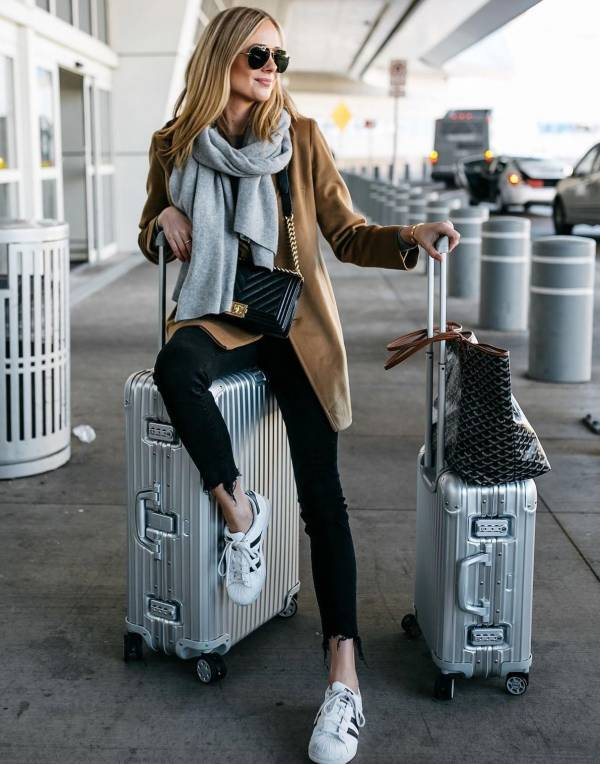 هنگام مسافرت با هواپیما چه لباس هایی بپوشیم؟