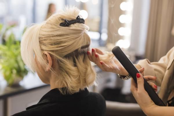 آنچه لازم است قبل از بلوند کردن مو بدانید