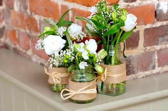 گلدان با شیشه مربا