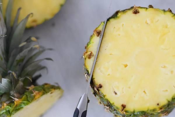 برش آناناس برای مهمانی