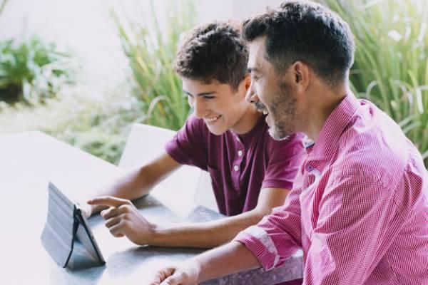 اختلاف سن پدر و پسر
