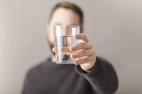 نوشیدن آب در اول صبح