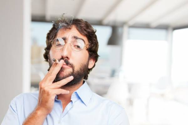 مردان سیگاری