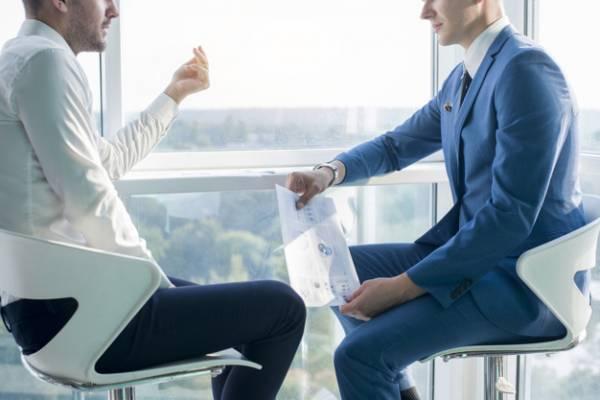 حرف زدن در محیط کار