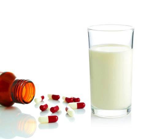 خوردن دارو با شیر