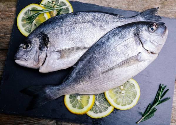 ماهی و لیمو