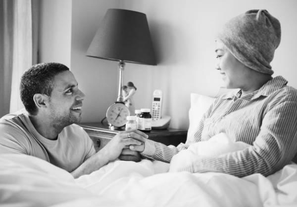 کمک به همسر بیمار