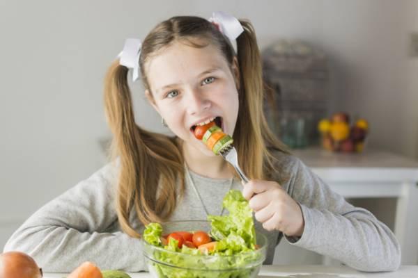 تغذیه کودکان و نوجوانان
