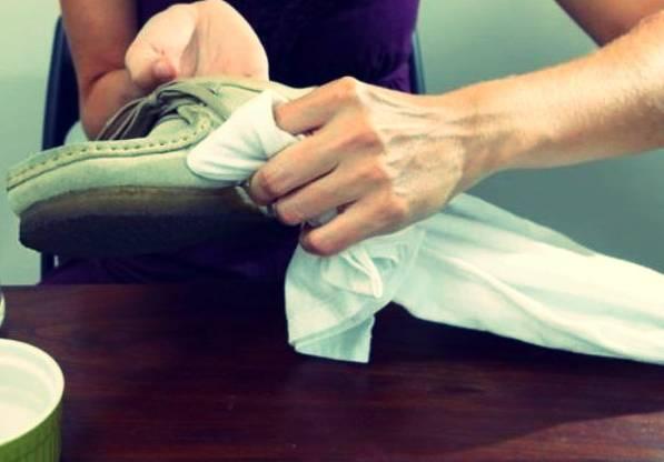 رفع لکه کفش جیر