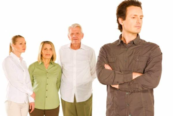 رفتار درست با خانواده زن