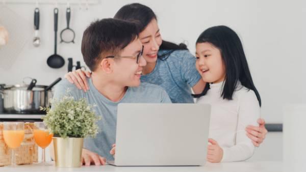 برخورد والدین با کودک