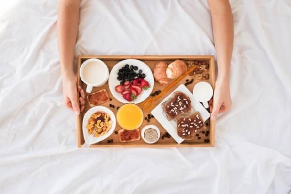 غذا نخوردن در رختخواب