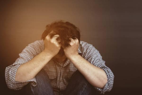 افسرده و مضطرب