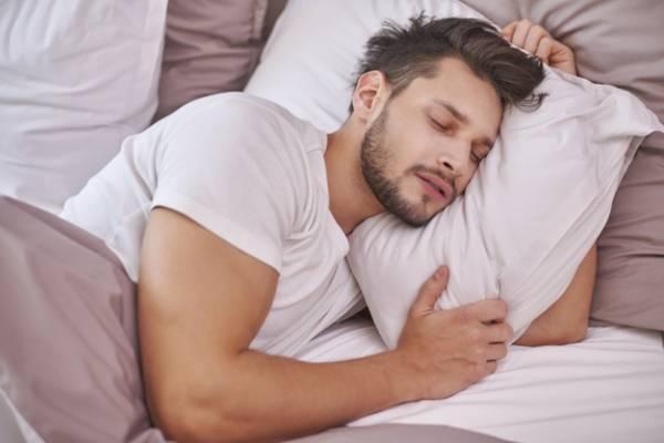 خواب به شکل غلط