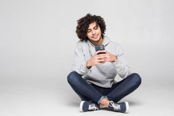 استفاده از گوشی موبایل