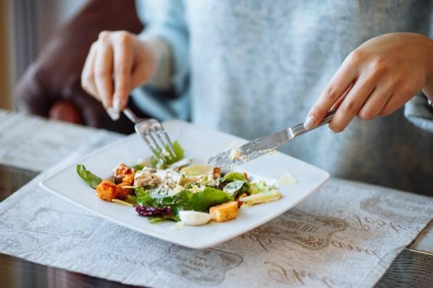 خوردن غذاهای متنوع